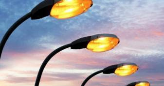 У Шельвові реконструюють вуличне освітлення