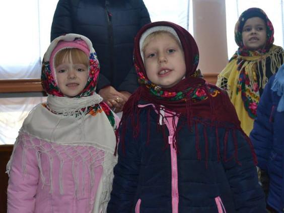 Колядниці із дошкільного навчального закладу у Локачах