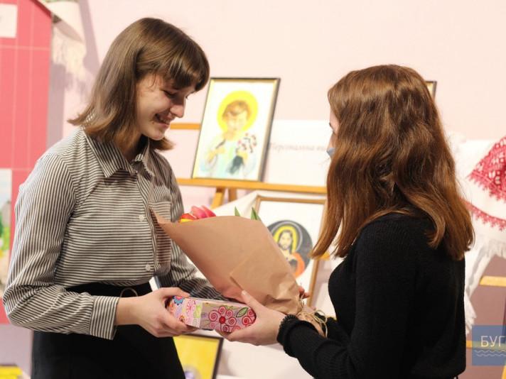 Марина Харчун представила свою виставку ікон