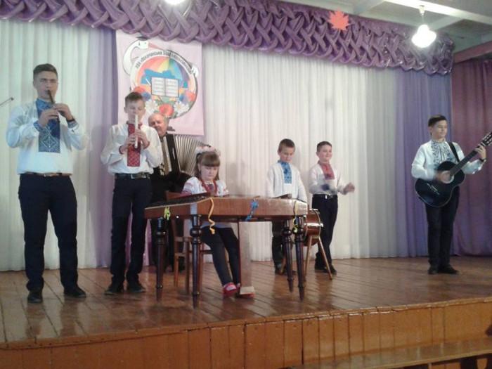 Учні та учениці дитячої музичної школи