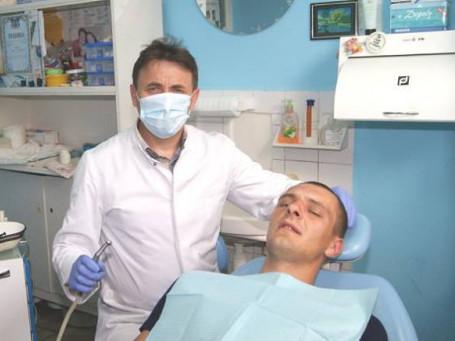 Лікар-стоматолог районної лікарні