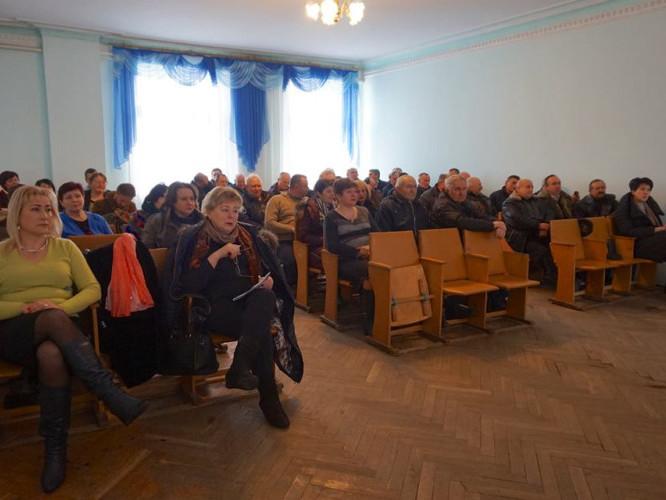 Присутні на зустрічі щодо перспективи майбутнього об'єднання Локачинської ОТГ