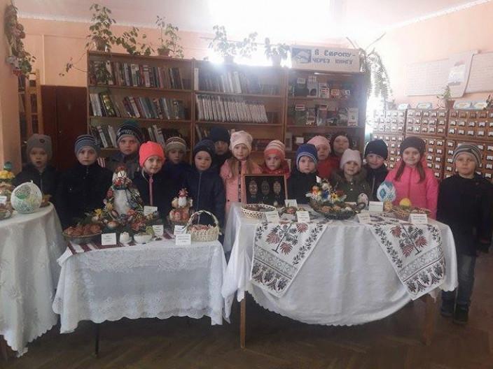 вихованці старшої групи дитячого садочка «Пізнайко»