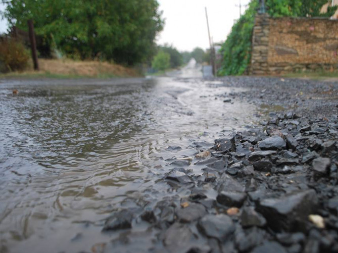 Селяни просять відремонтувати дорогу