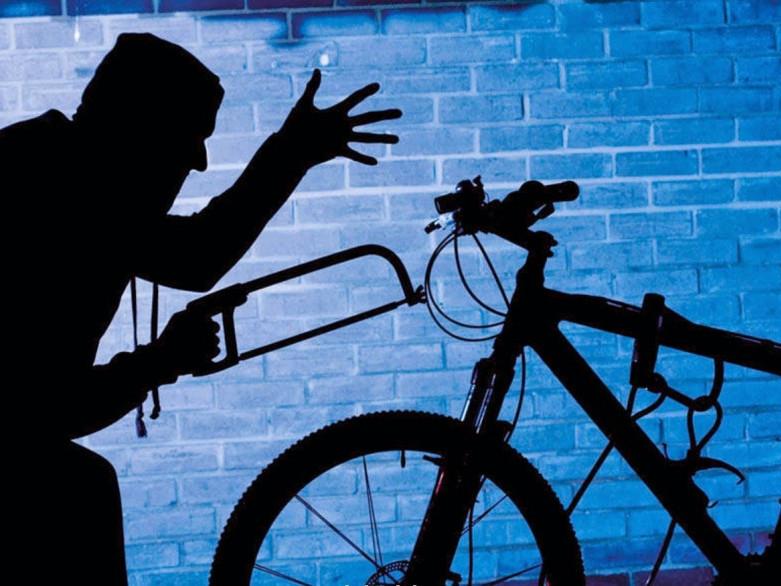 Дві заяви про крадіжку велосипедів.