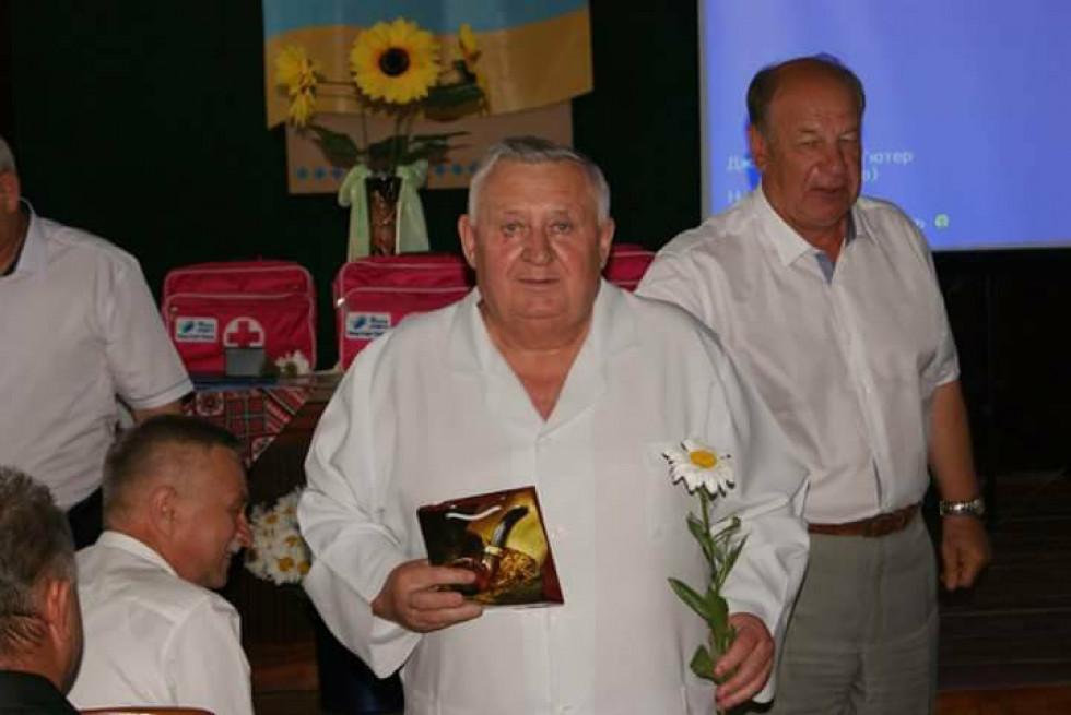 М. Скопюк вручив подарунок М. Шульзі