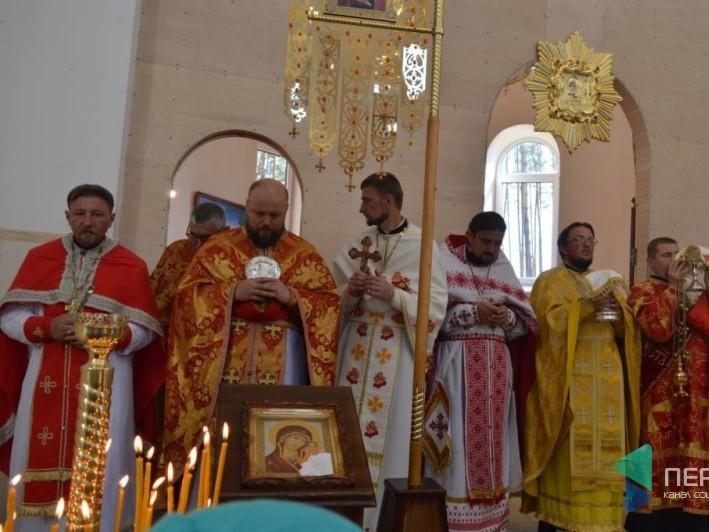 У Маневичах відсвяткували відкриття храму УПЦ КП «Віри, Надії, Любові та їхньої матері Софії» на якому побував і Локачинський священник.