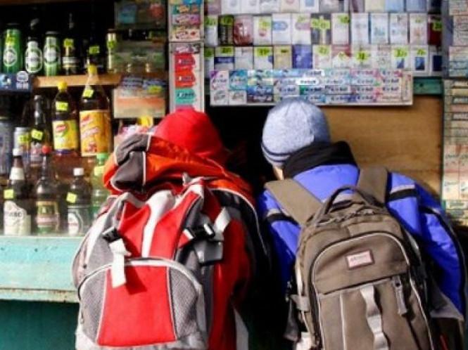 Біля локачинської гімназії торгують алкоголем і тютюном