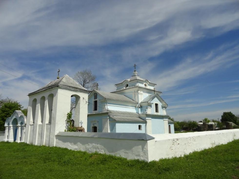 Церква в селі Кисилин чого тільки не бачила на своєму віку. Зображення з Вікіпедії