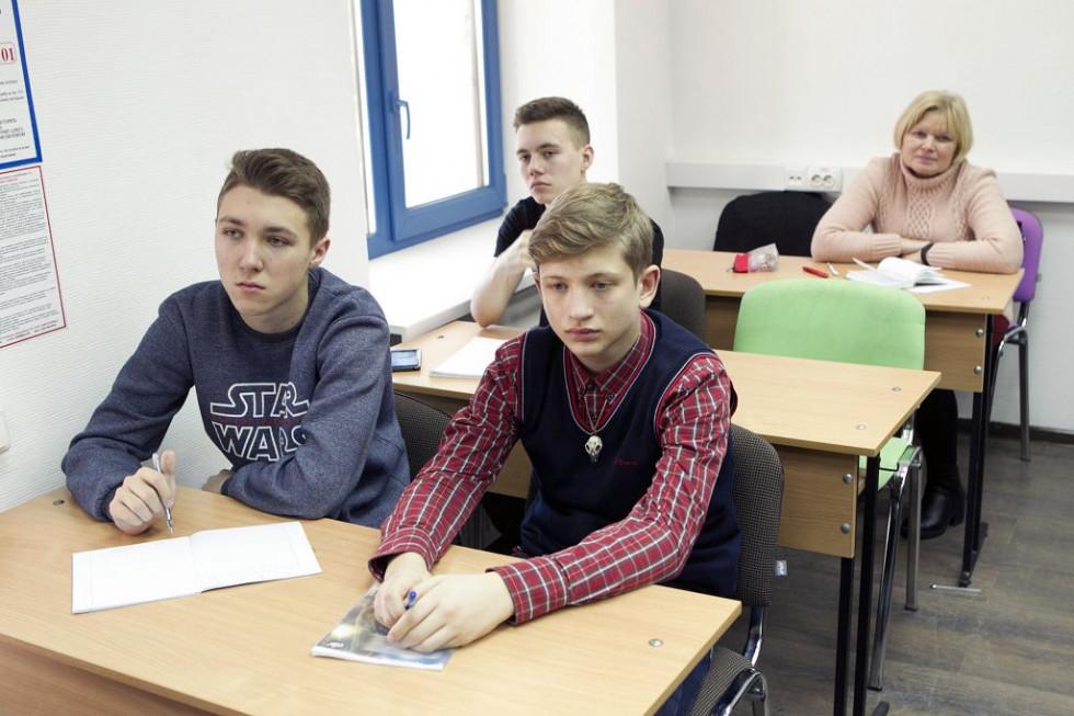 Локачинський школяр на Всеукраїнський школі з фізики