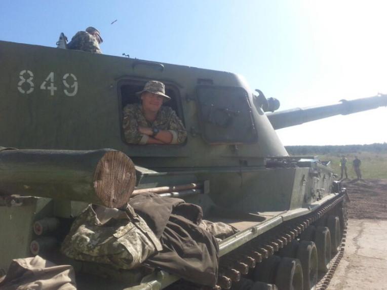 Іван Тимочко на бойовій машині свого підрозділу